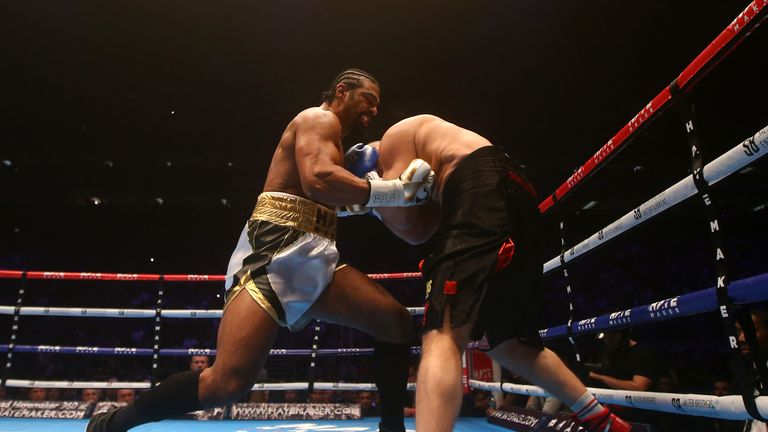 Haye lands a heavy right hand on De Mori