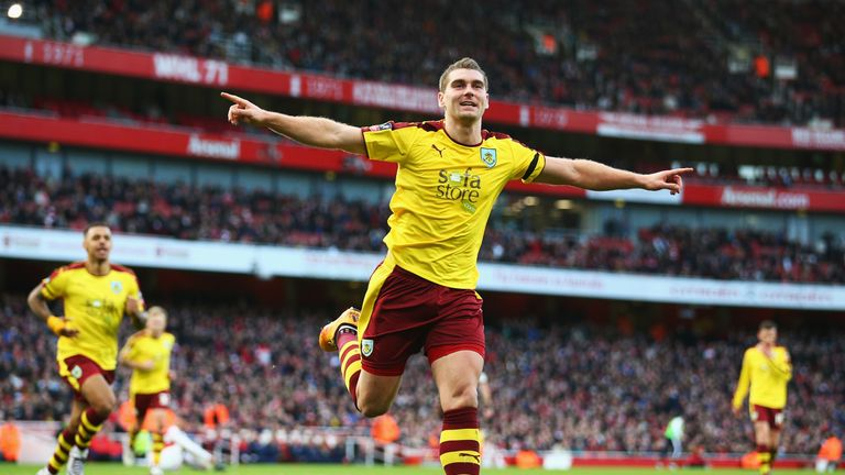 Sam Vokes celebrates his equalising strike