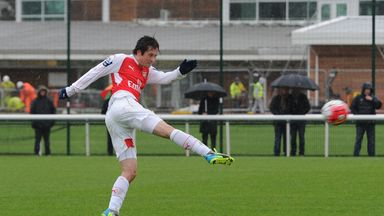 Tomas Rosicky completed 45 minutes for Arsenal's U21 side after eight months out