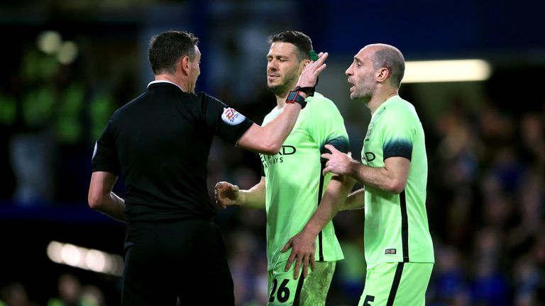 Martin Demichelis appeals to referee Andre Marriner during Manchester City's FA Cup defeat at Chelsea