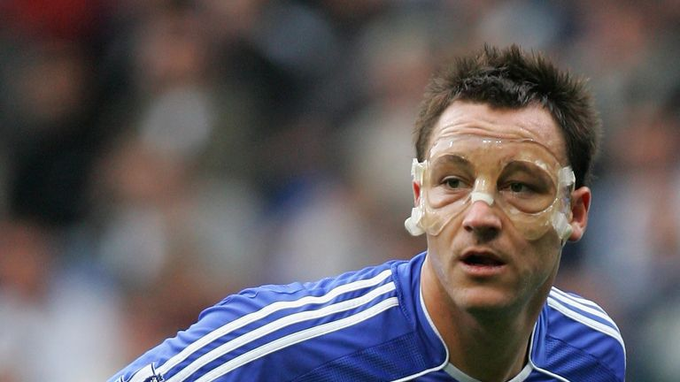 Terry wore a transparent face mask in the 2007/08 campaign