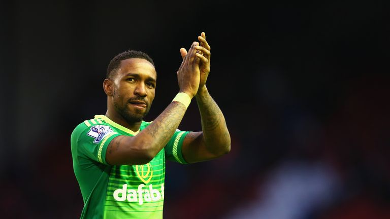 Jermain Defoe applauds fans after Liverpool draw