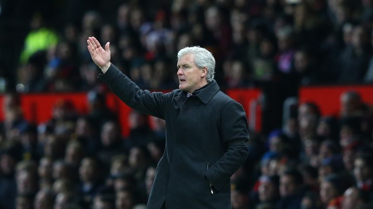 Mark-hughes-manchester-united-stoke-city-old-trafford_3409756