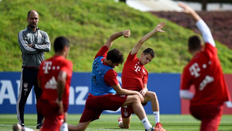 Guardiola oversees Bayern Munich training