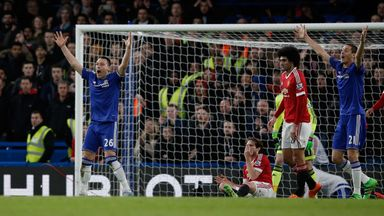 Chelsea defender John Terry (L) appeals for a penalty