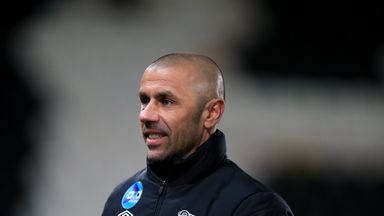 Kevin Phillips is to stay on at the iPro Stadium