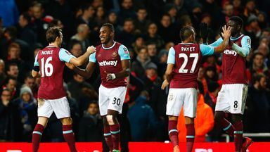 Michail Antonio celebrates with West Ham team-mates Mark Noble (16), Dimitri Payet (27) and Cheikhou Kouyate (8)