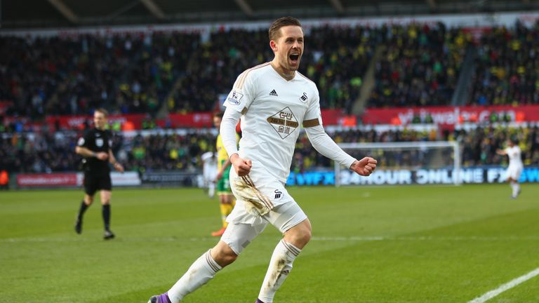 Gylfi Sigurdsson celebrates Swansea's winner