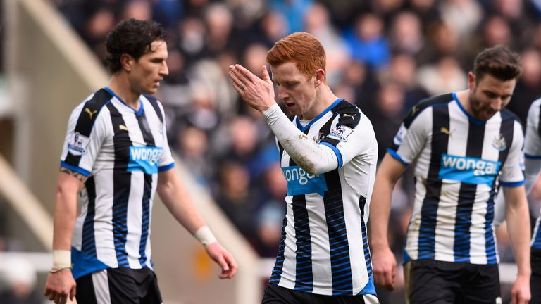 Jack Colback of Newcastle United reacts to Bournemouth's third goal