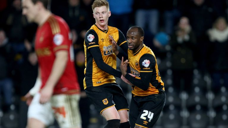 Hull City's Sone Aluko (right) celebrates his equaliser with teammate Sam Clucas