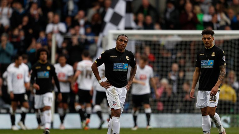 Championship-derby-4-1-bolton-dejected-bolton-players_3445866
