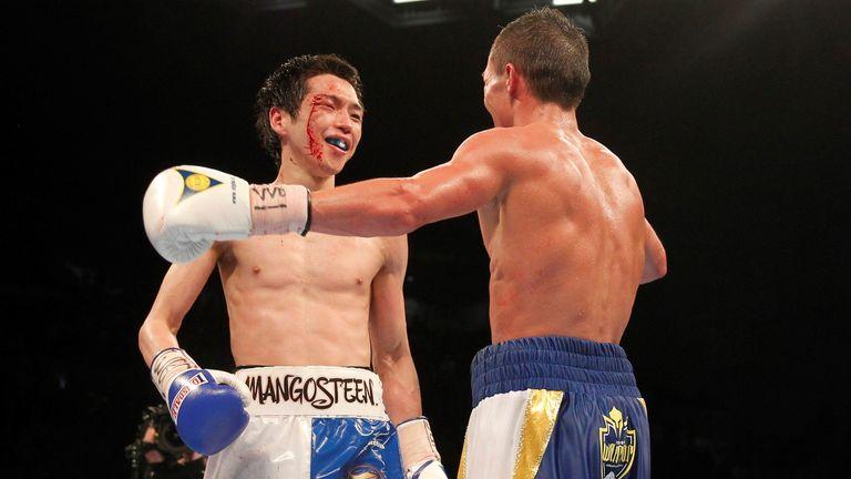 Warrington (R) dug deep to overcome Hisashi Amagasa last time out
