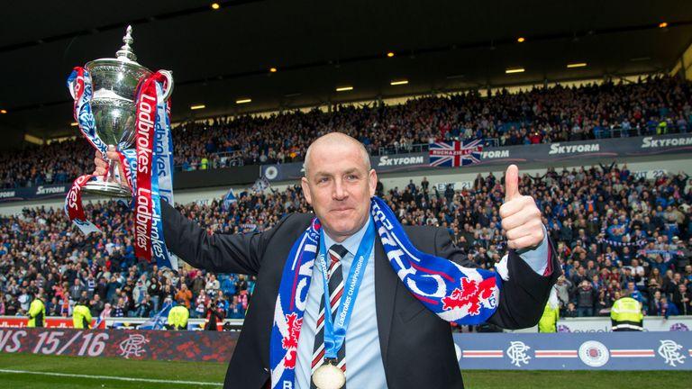 Rangers-trophy-mark-warburton_3457572
