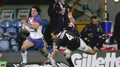 Brian Carney scores a try for Great Britain and Ireland against New Zealand during the 2005 Tri Nations