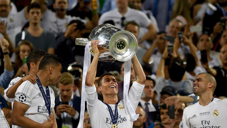 Ronaldo lifts the Champions League trophy