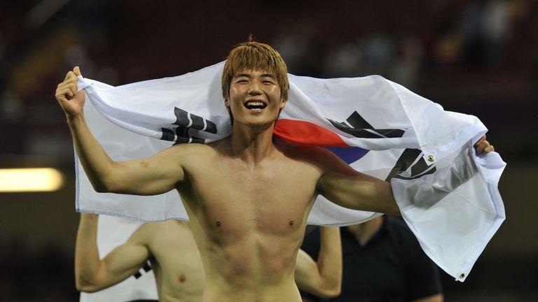 Swansea midfielder Ki Sung-yueng must serve four weeks military duty in South Korea