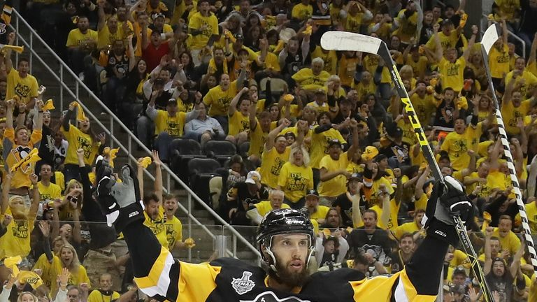 Nick Bonino scored the match-winner for Pittsburgh