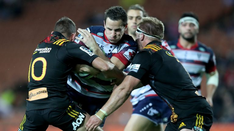 chiefs score late over spirited rebels