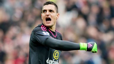 Vito Mannone has joined Reading after spending four years at Sunderland