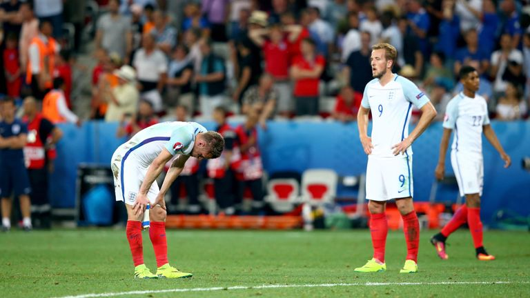 England-players-dejected_3492670