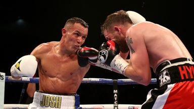 Josh Warrington (l) en route to victory over Patrick Hyland