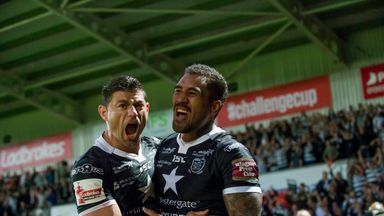 Fetuli Talanoa (right) is congratulated by Mark Minichiello after scoring Hull's second try