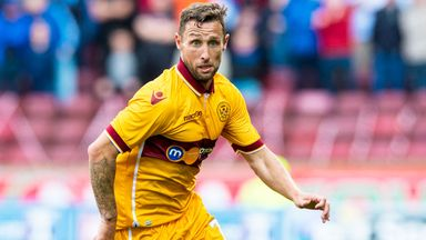 Scott McDonald has signed for Dundee United