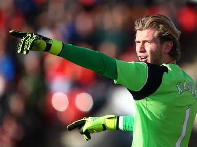 Loris Karius: Hand injury