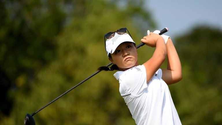 Park takes 2-shot lead into final round at Olympics