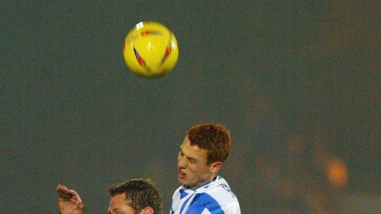 Sidwell rises above Jim Magilton in his first spell at Brighton in 2002