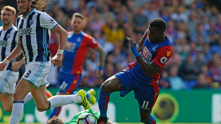Wilfried-zaha-ben-foster-crystal-palace-west-brom-premier-league_3763842