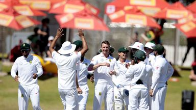 Dale Steyn (centre) celebrates the dismissal of New Zealand batsman Tom Latham