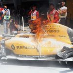 Kevin Magnussen's Renault catches fire in the pitlane in Malaysia GP P1 | F1 News
