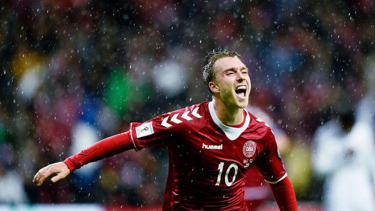 Eriksen signs new Tottenham contract