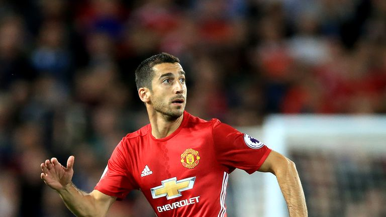 Manchester United's Henrikh Mkhitaryan was forced out of Armenia's friendly with a knee injury on Wednesday night