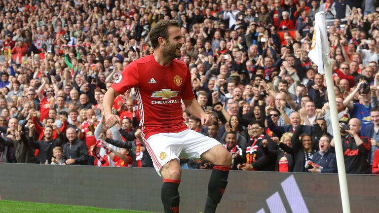 Juan-mata-manchester-united-football_3793868
