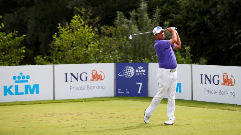 Hend failed to convert a 54-hole lead for the second week running