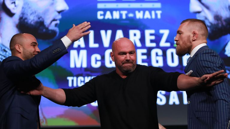 Dana White separates McGregor and Eddie Alvarez at the UFC 205 press conference