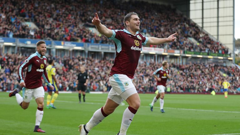 Sam-vokes-burnley-everton_3814311