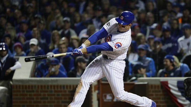 Anthony Rizzo hits a solo home run in the fifth inning against the Los Angeles Dodgers