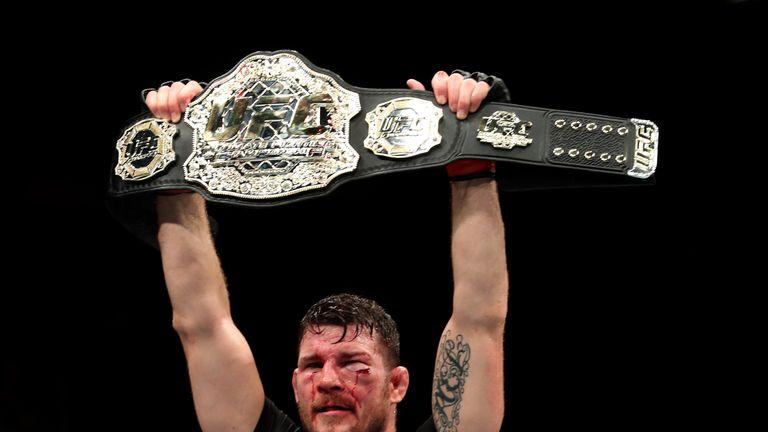 Michael Bisping beat Dan Henderson at UFC 204