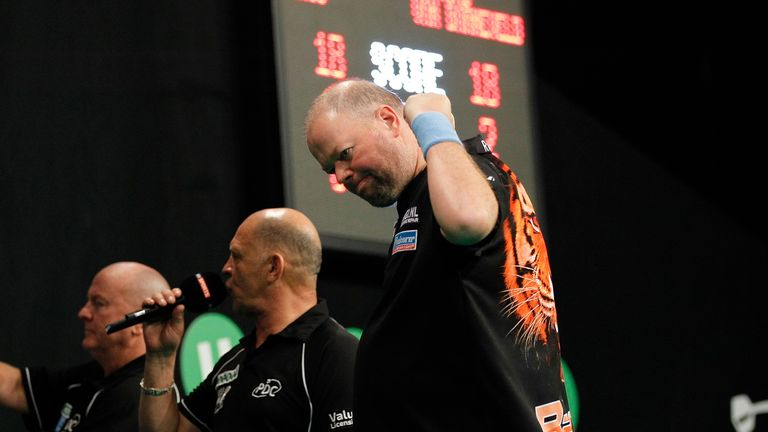Raymond van Barneveld is looking to end a 10-year gap between world titles