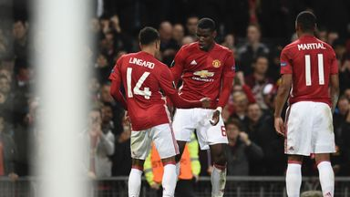 Paul Pogba and Jesse Lingard celebrates Manchester United's third goal against Fenerbahce