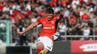 Owen Farrell of Saracens kicks a penalty during the European Rugby Champions Cup match between RC Toulon and Saracens 15/10/16