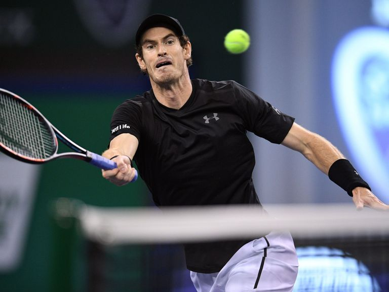 Murray keeps the heat on Djokovic
