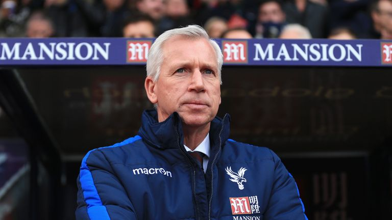 Crystal Palace boss Alan Pardew is reportedly under pressure after six straight defeats