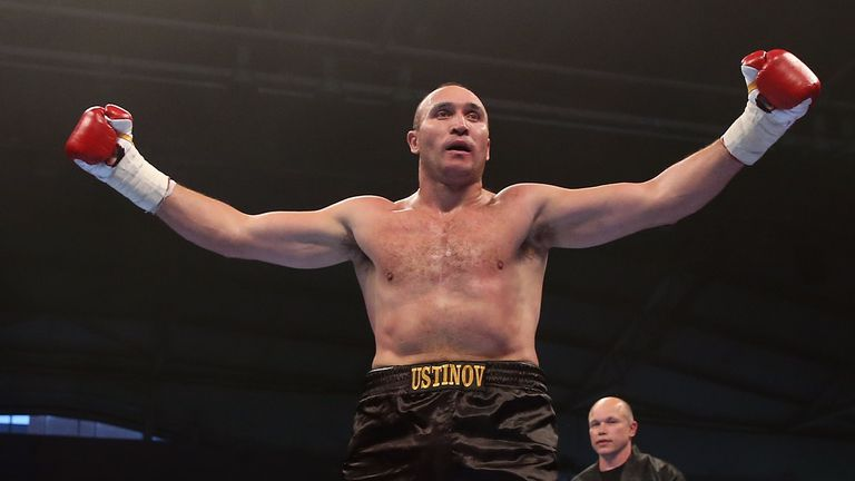 Alexander Ustinov holds a points win over Kiwi David Tua