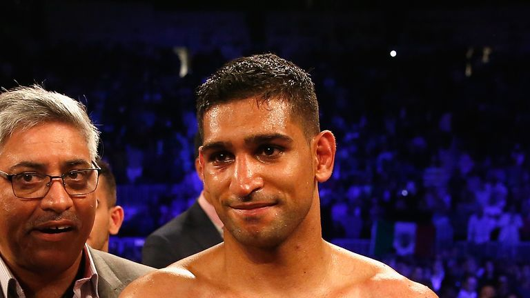 Amir Khan is targeting an alternative opponent after he was unable to agree a fight with Kell Brook