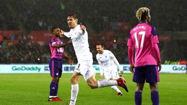 Fernando Llorente celebrates scoring his side's second goal