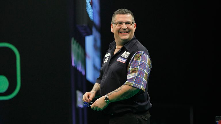 Gary Anderson returns to his homeland against Dave Chisnall